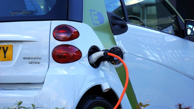 delivery_supply chain_electric car_electrecity